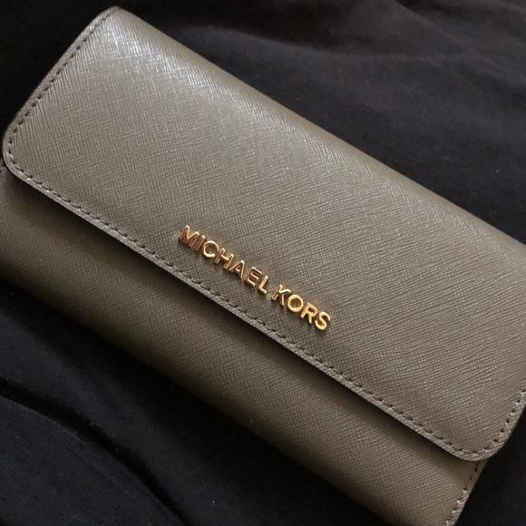 013fd8adb603 MICHAEL Michael Kors Bags | Michael Kors Palm Tree Wallet | Poshmark